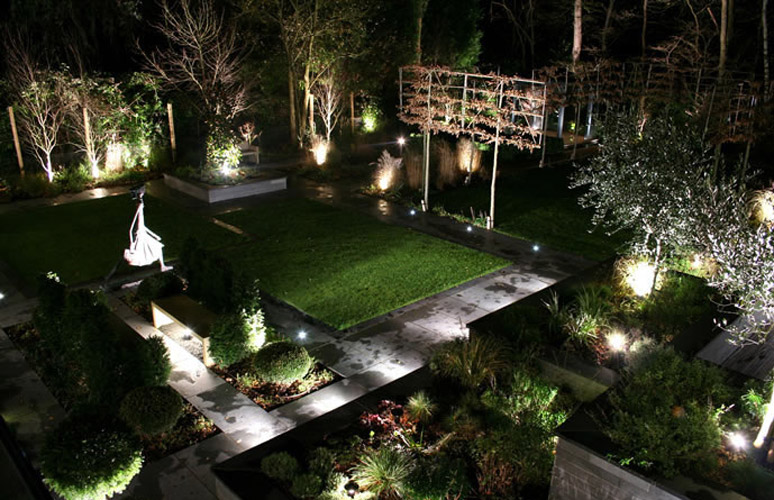 Outdoor Garden lighting Electrician South East Melbourne